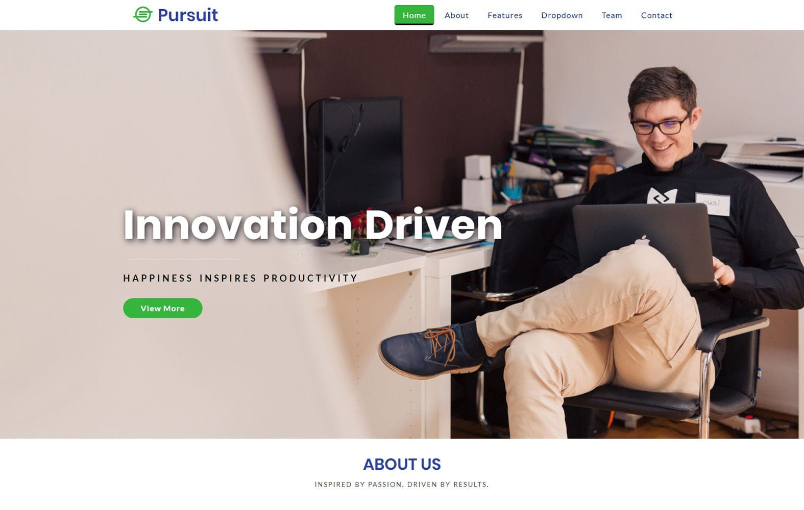 Pursuit a Corporate Category Bootstrap Responsive Web Template Mobile website template Free